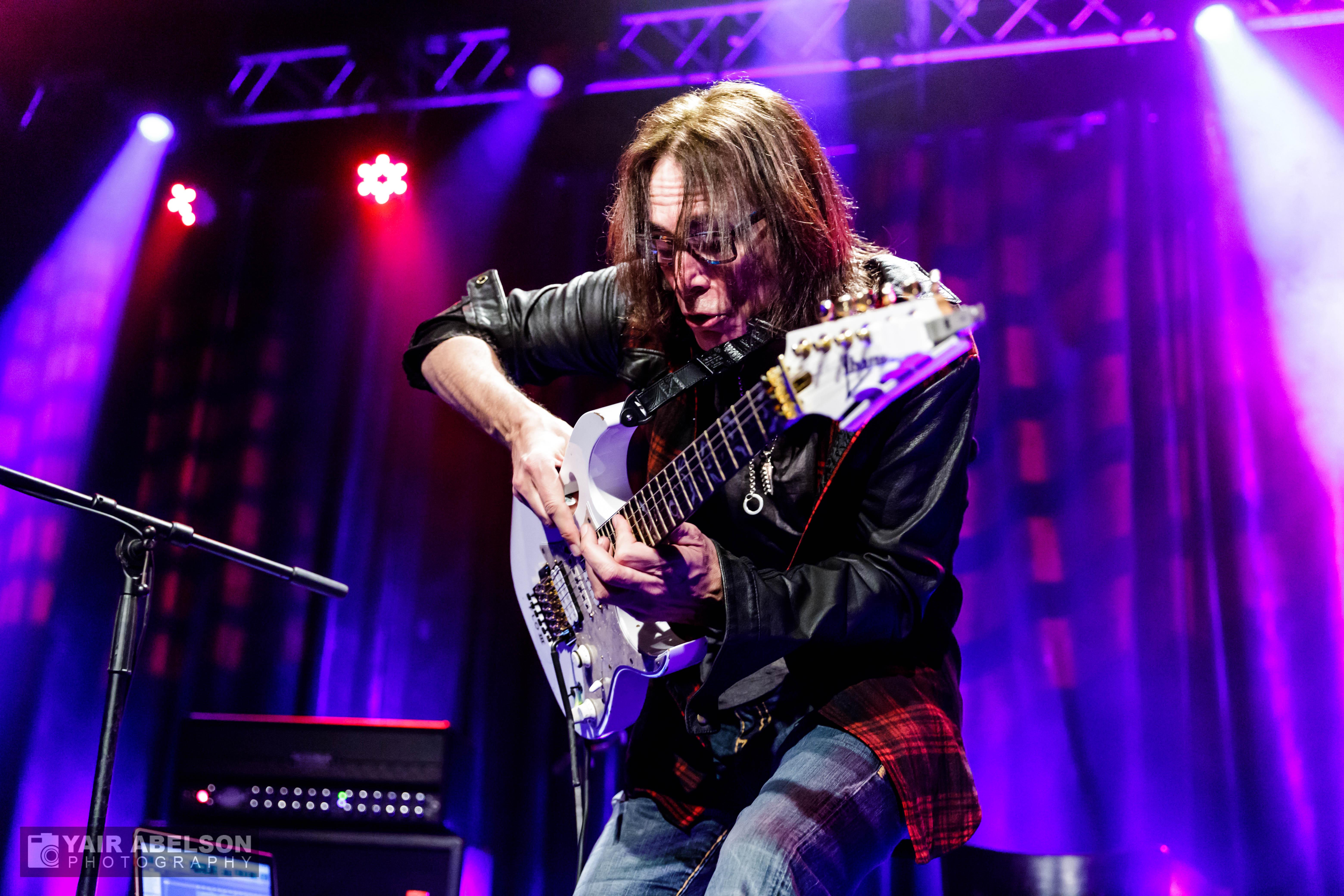 Steve Vei, Guitar