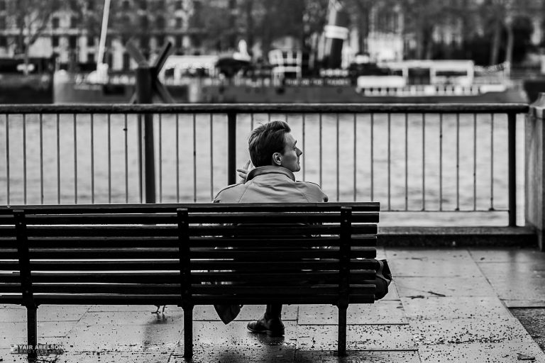 Thames, London, waiting, black and white, street, לונדון, שחור לבן
